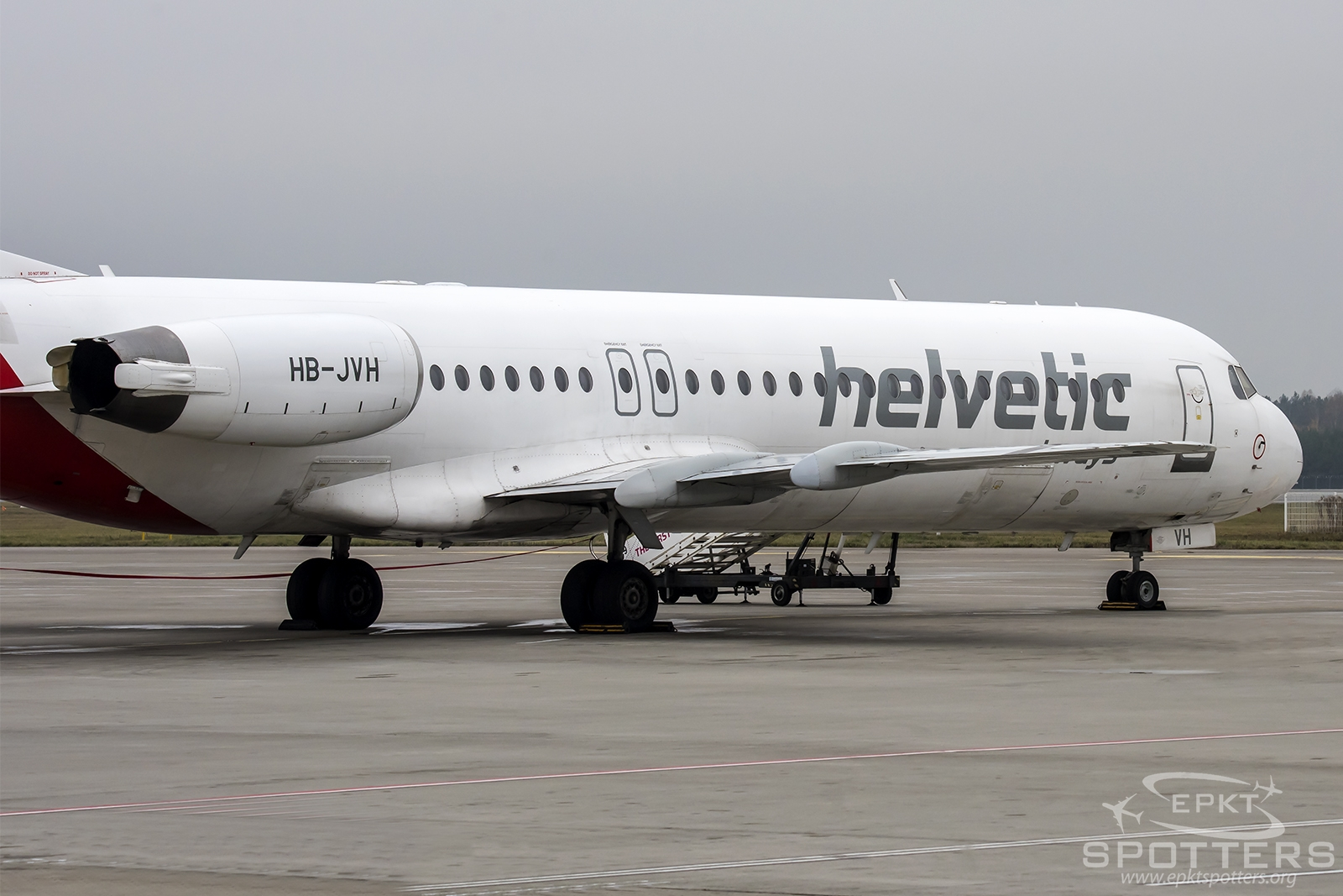 HB-JVH - Fokker 100  (Helvetic Airways) / Pyrzowice - Katowice Poland [EPKT/KTW]