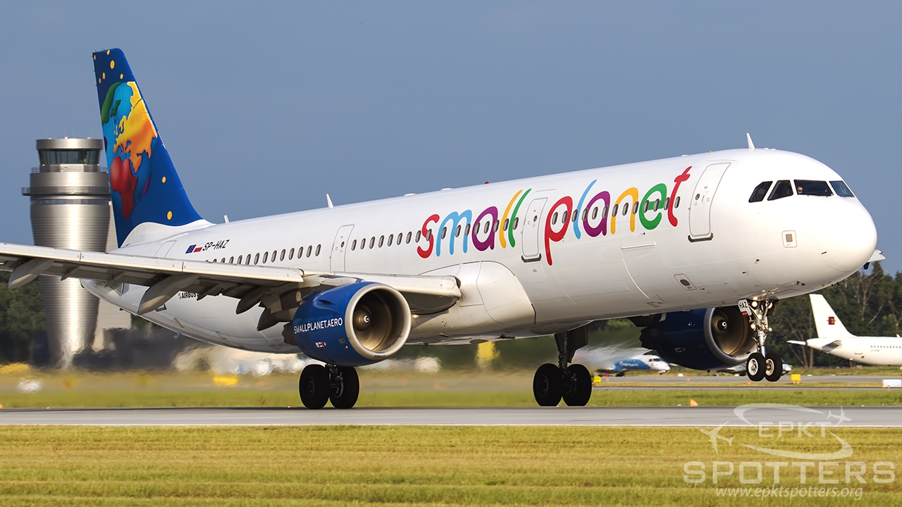 SP-HAZ - Airbus A321 -211 (Small Planet Airlines) / Pyrzowice - Katowice Poland [EPKT/KTW]