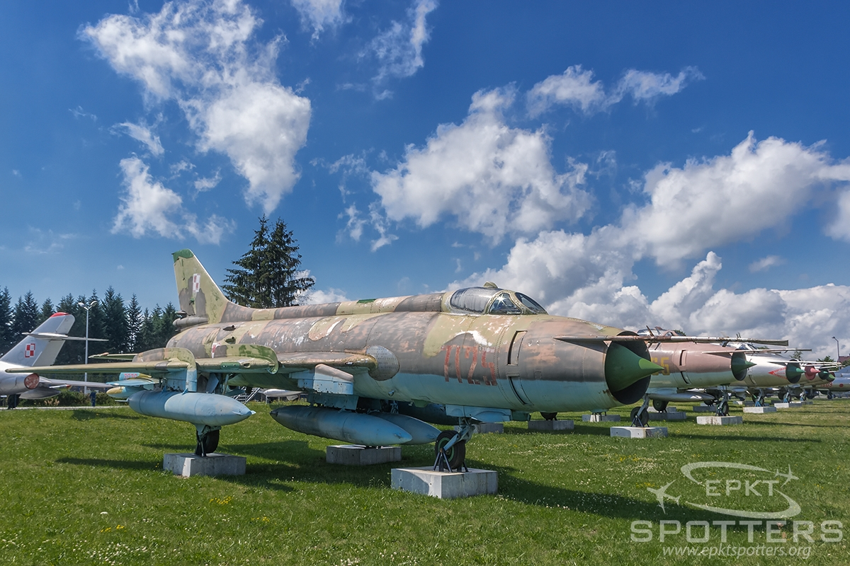 7125 - Sukhoi Su-20 R Fitter C (Poland - Air Force) / Deblin - Deblin Poland [EPDE/]