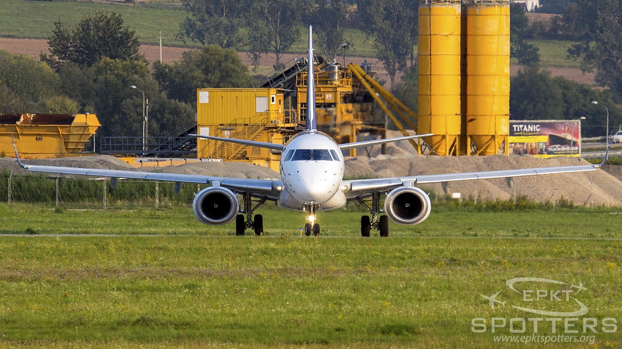 SP-LNH - Embraer 190 -200AR (LOT Polish Airlines) / Balice - Krakow Poland [EPKK/KRK]