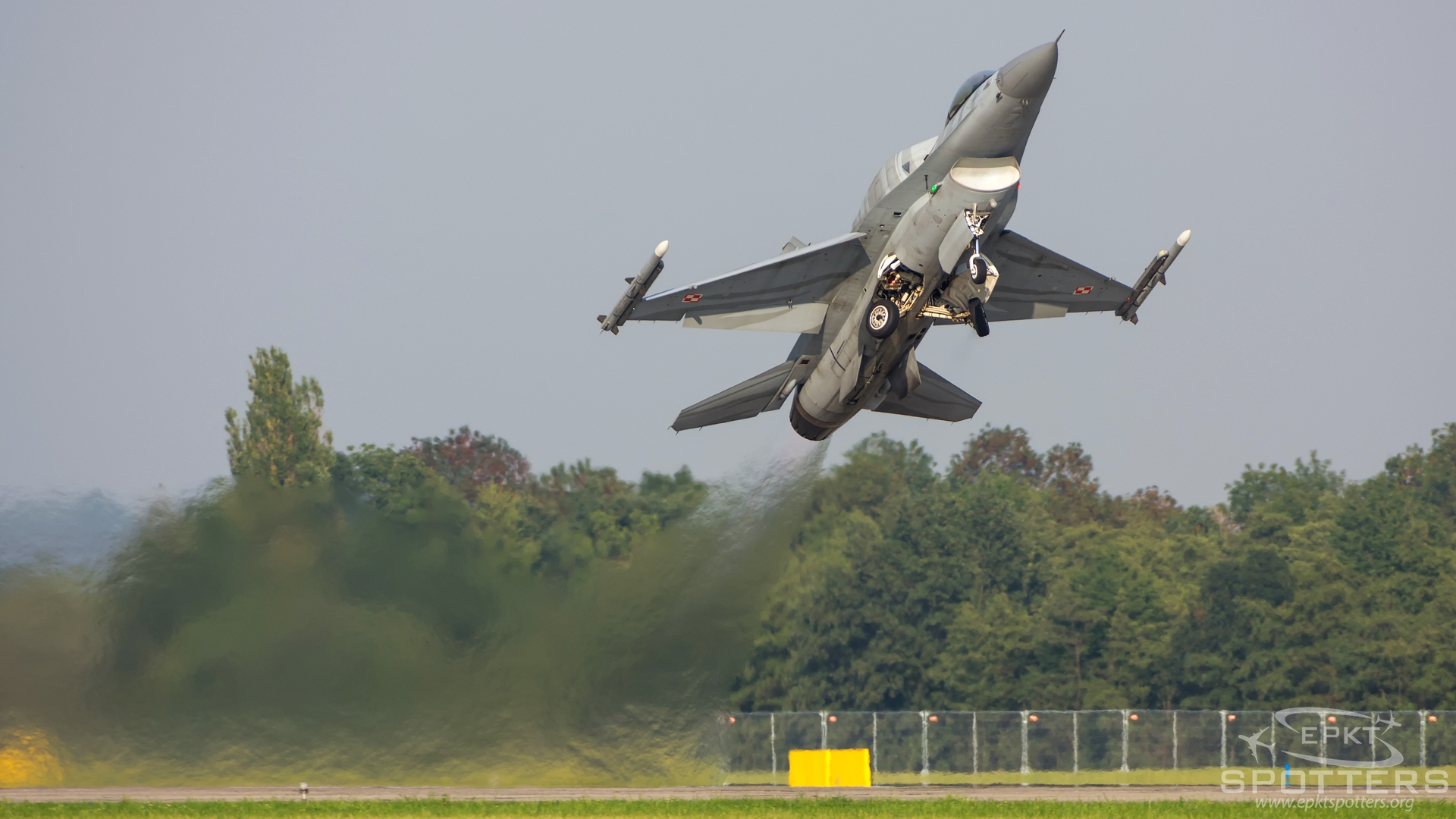 4052 - Lockheed Martin F-16 C Fighting Falcon (Poland - Air Force) / Leos Janacek Airport - Ostrava Czech Republic [LKMT/OSR]