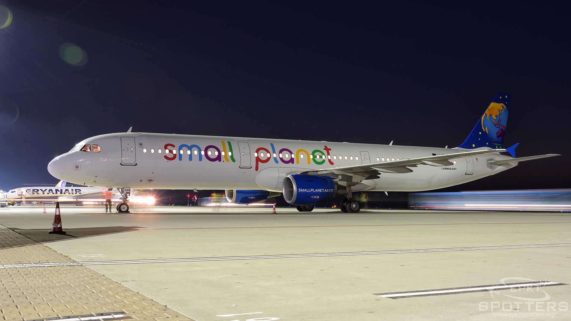 SP-HAW - Airbus A321 -211 (Small Planet Airlines) / Pyrzowice - Katowice Poland [EPKT/KTW]