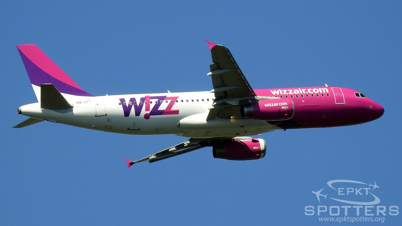 HA-LPT - Airbus A320 -232 (Wizz Air) / Other location - Jezioro Chechło Poland [/]
