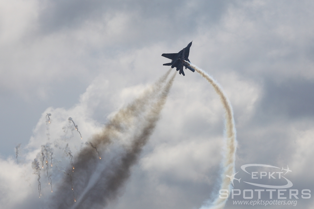 105 - Mikoyan Gurevich MiG-29 A Fulcrum (Poland - Air Force) / Swidwin - Shapaja Poland [EPSN/]